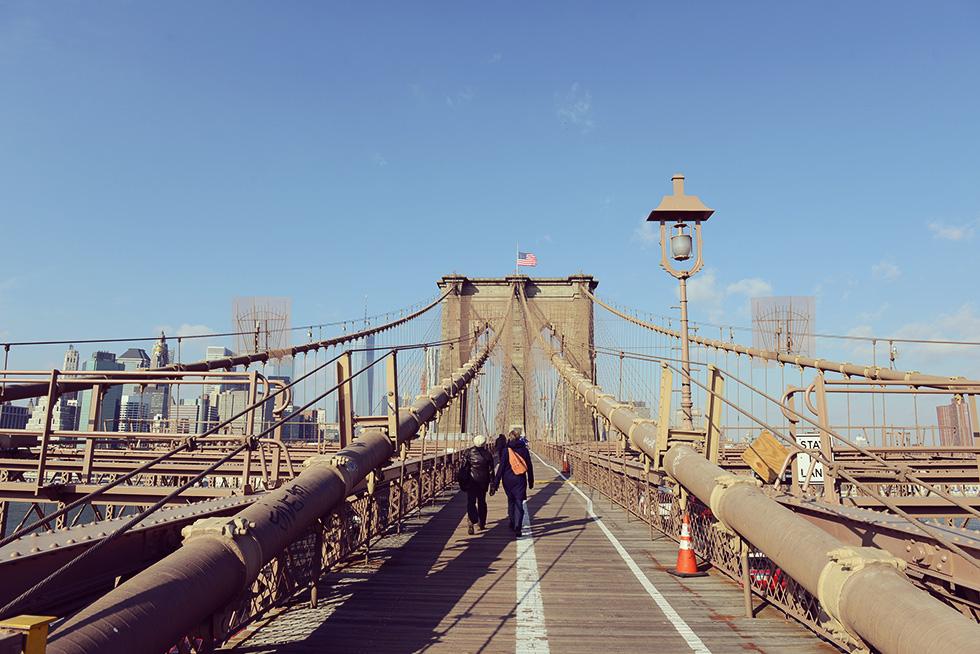 ブルックリン・ブリッジから見たマンハッタン方面の景色