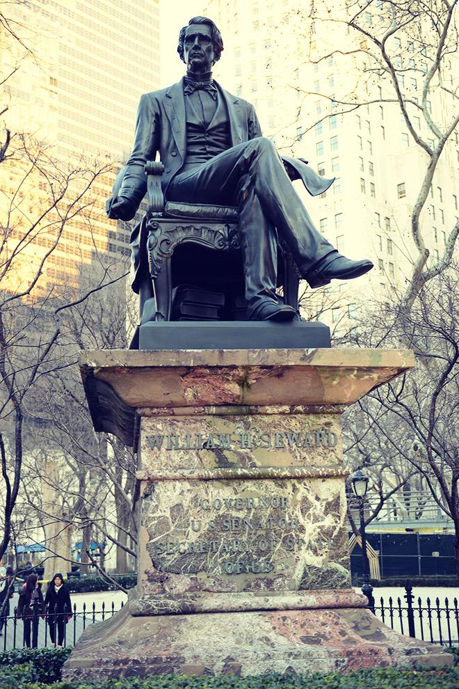 ウィリアム・スワードの銅像