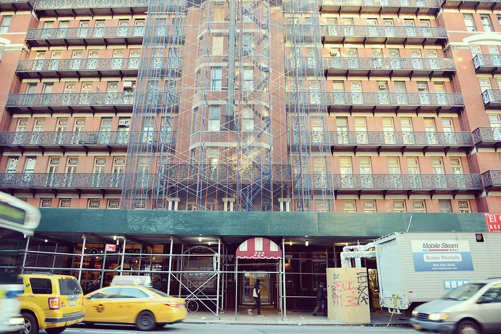 https://ourlifeisajourney.net/wp-content/uploads/2015/01/the-hotel-chelsea-nyc2.jpg
