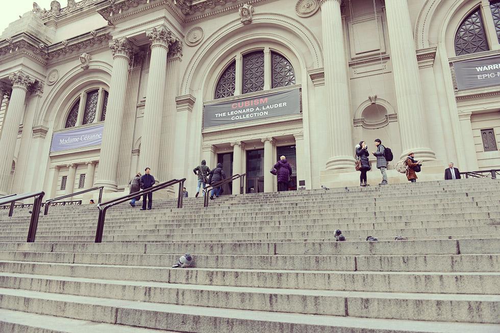 メトロポリタン美術館の階段