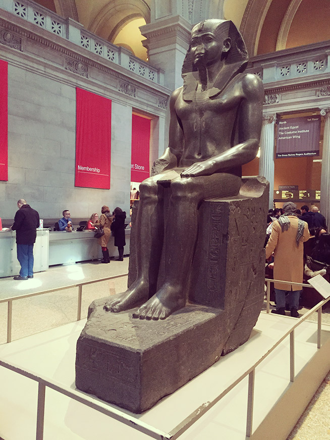 古代エジプト的な銅像