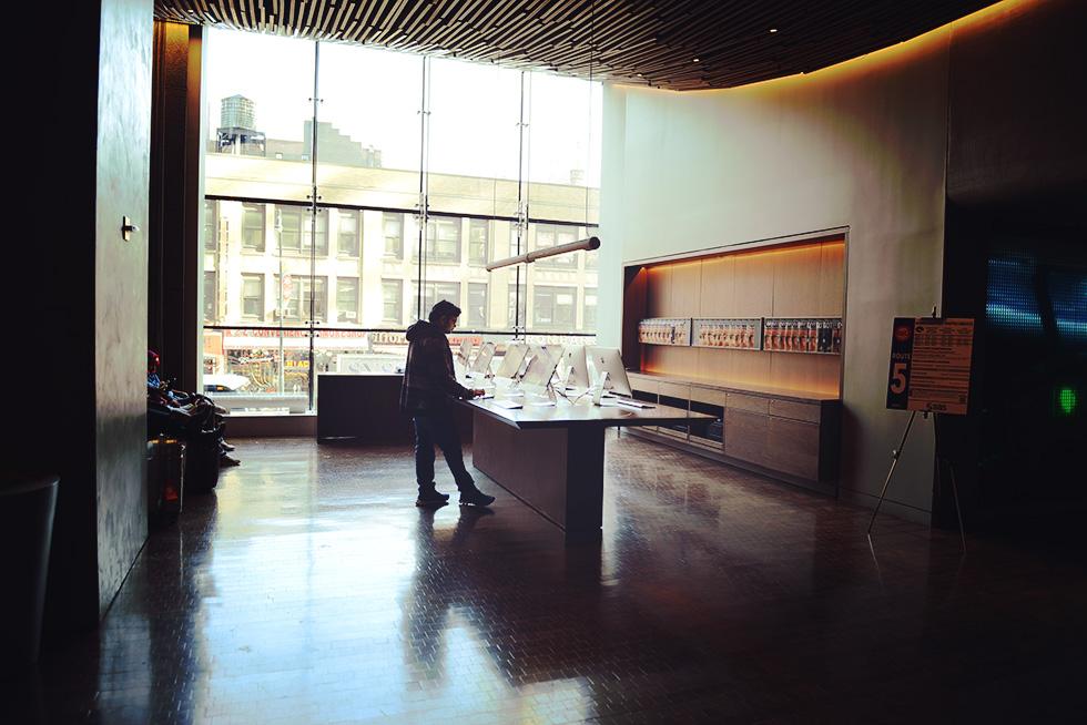 Row NYC ホテル 2F 共有パソコン