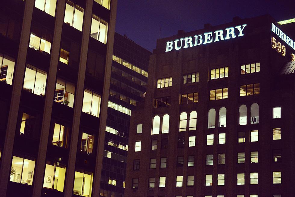 BURBERRY(バーバーリー)のビル