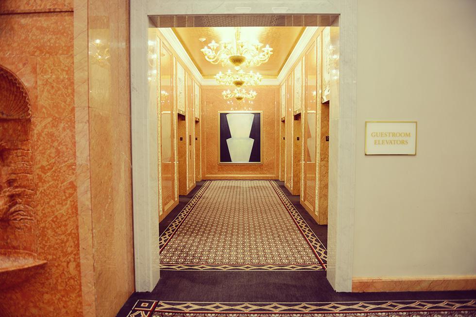2階のエレベーターホール