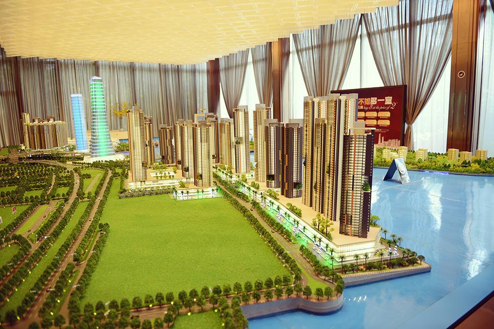 コーズウェイ周辺に建つ予定の高層マンションの模型